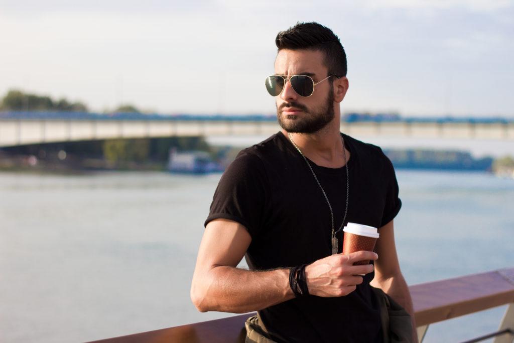 Les hommes peuvent doubler leurs chances de devenir papa en buvant du café
